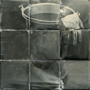 Water pail and glove improved_Pinhole